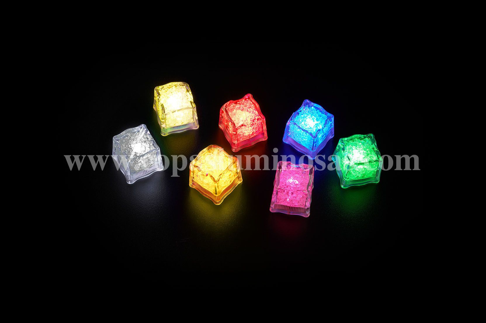 For parties, bars and clubs. Our cubes have jelly inside