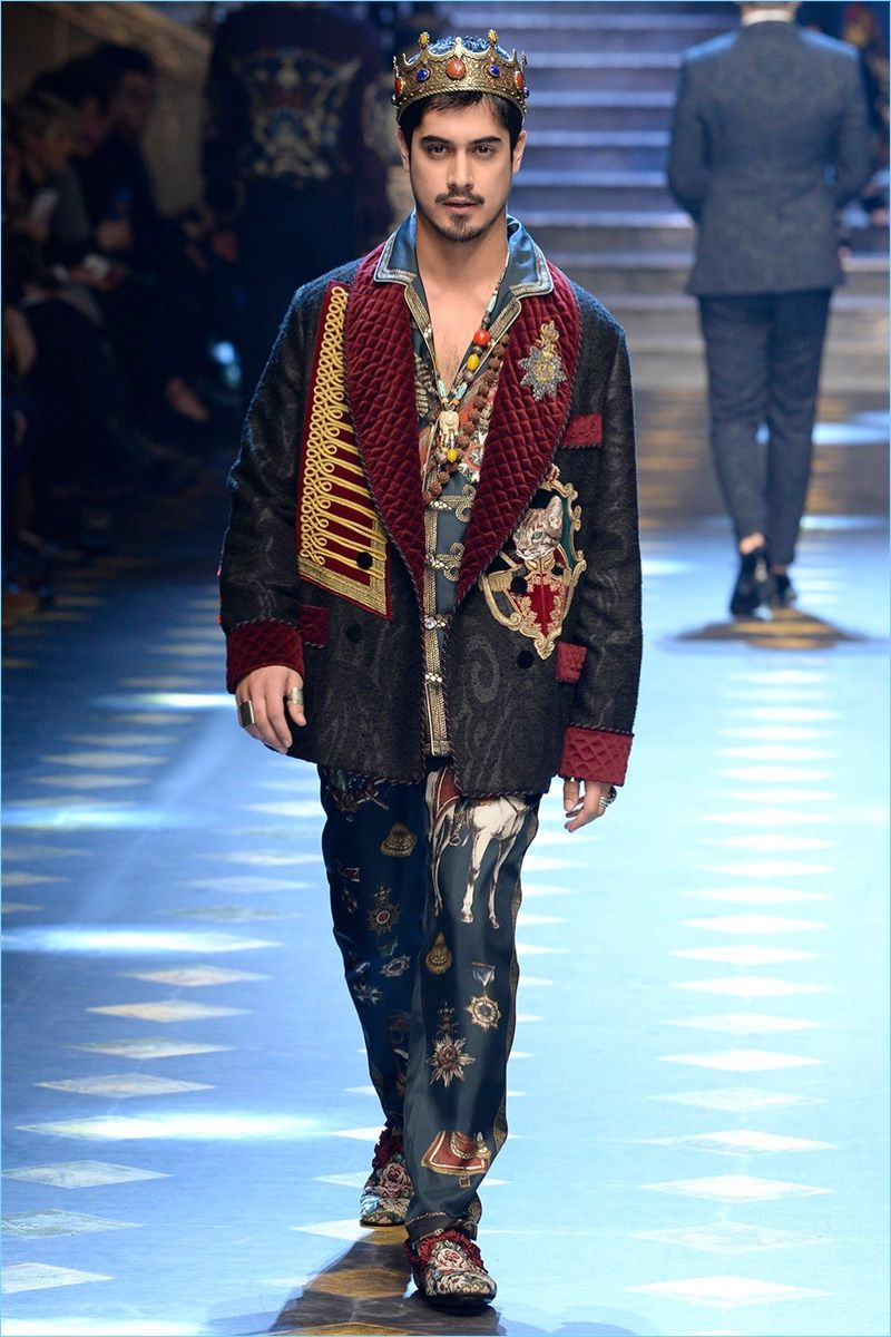Avan Jogia wears an eccentric look from Dolce & Gabbana's fall-winter 2017 collection.