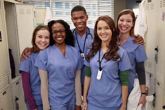 "Meet the new interns, in the latest installment of ""Grey's Anatomy"". Read my review HERE!  #examinercom"