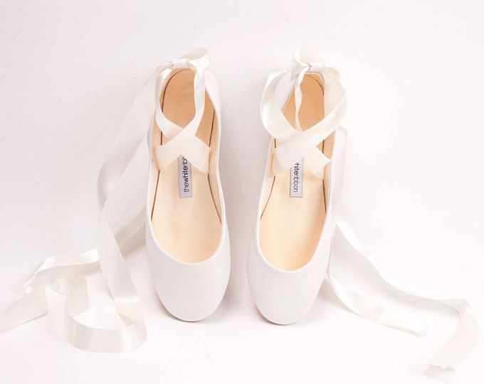 Light Ivory Bride S Shoes In Soft Leather Etsy Wedding Ballet Flats Flat Lace Up Shoes Bridal Ballet Flats
