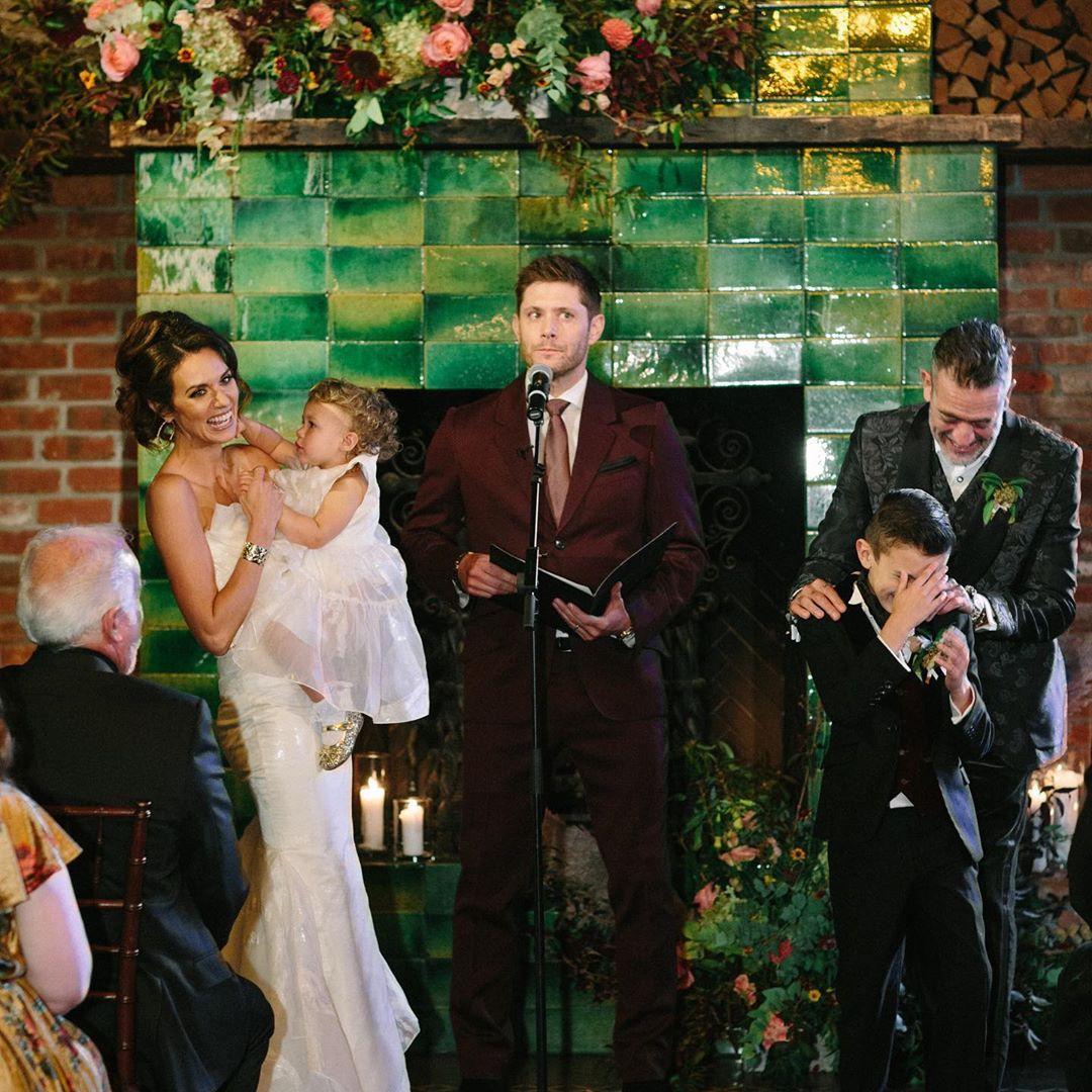 Jensen Ackles Officiating Jeffrey Dean Morgan And Hilarie Burton S Wedding Jeffrey Dean Morgan Jensen Ackles Jeffrey Dean