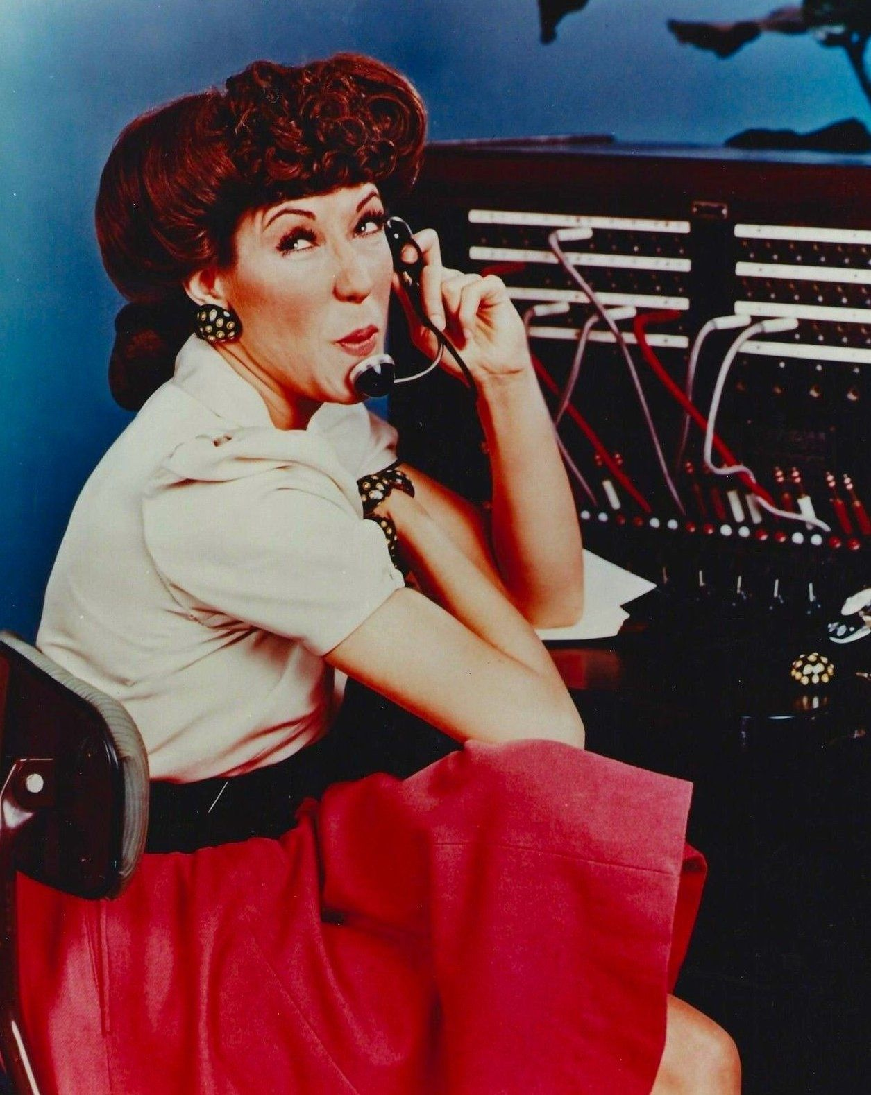 Ernestine the Operator ...Lily Tomlin....One ringy dingy....snort snort. She was another extremely funny lady...loved all of her characters.