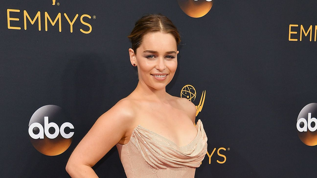 "'Star Wars': Emilia Clarke Cast in Han Solo Stand-Alone Movie  ""Clarkes role will round out a dynamic cast of characters that Han and Chewie will encounter on their adventures.""  read more"
