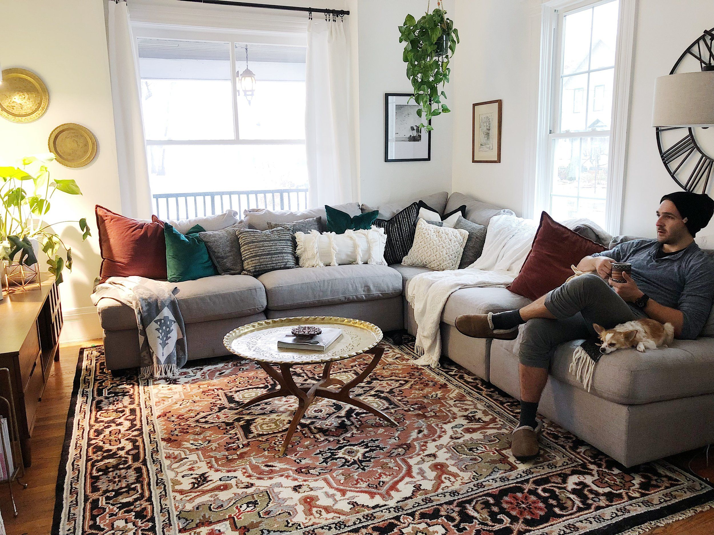 White Living Room Blue Navy Velvet Sofa Persian Rug Plants White Curtains Black Curtai Velvet Sofa Living Room Red Rug Living Room Black Sofa Living Room