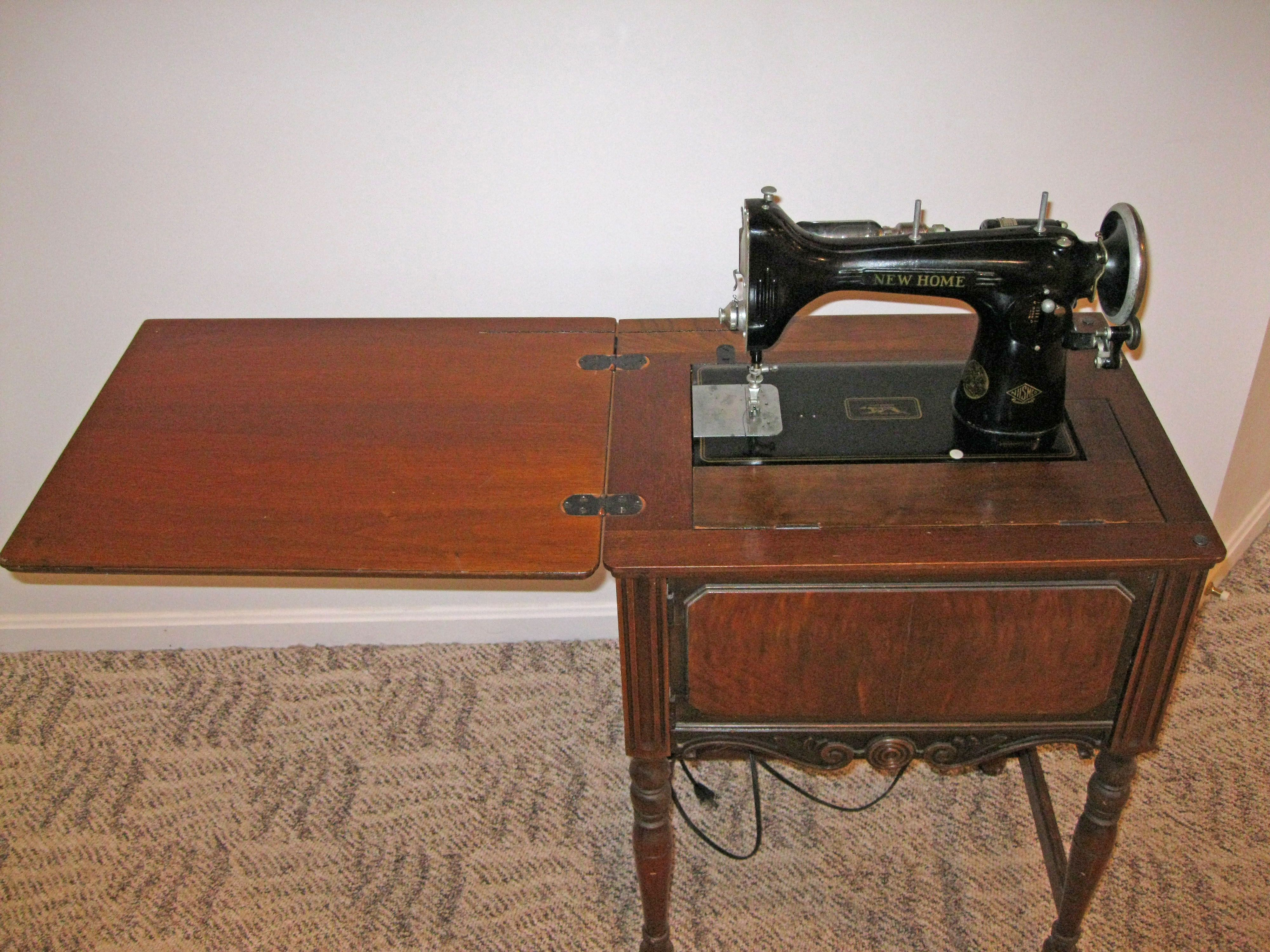 Ebay New Home Sewing Machine Light Running With Cherry Cabinet