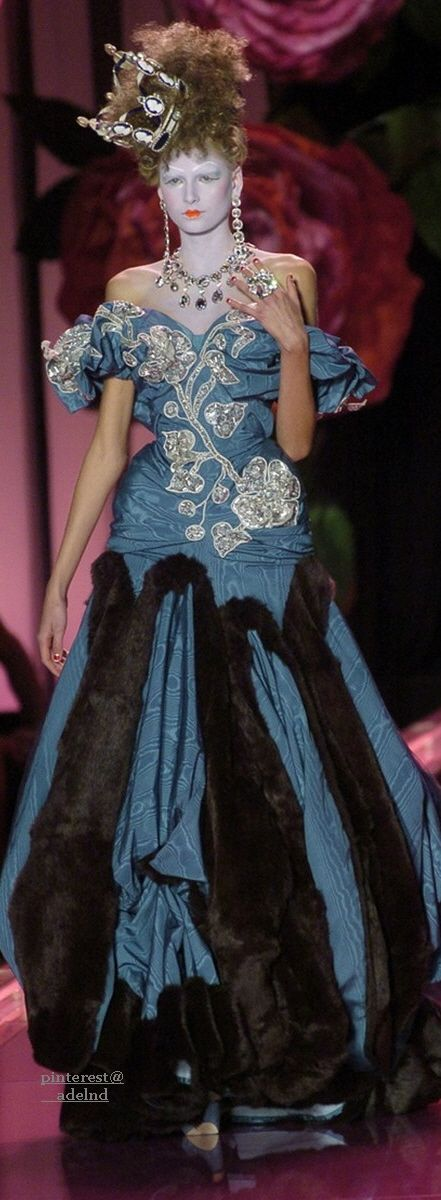 Christian Dior Fall 2004 Couture
