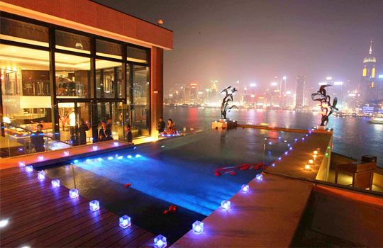 Hongkong Is One Of Our Very Favorite Cities And This Heated Pool In The Intercontinental S Presidential Suite Overlooking Pool Cool Swimming Pools Hotel Pool