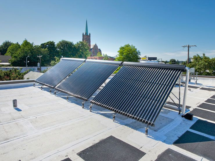 Seattle Fire Station 17: Rooftop solar hot water heating is