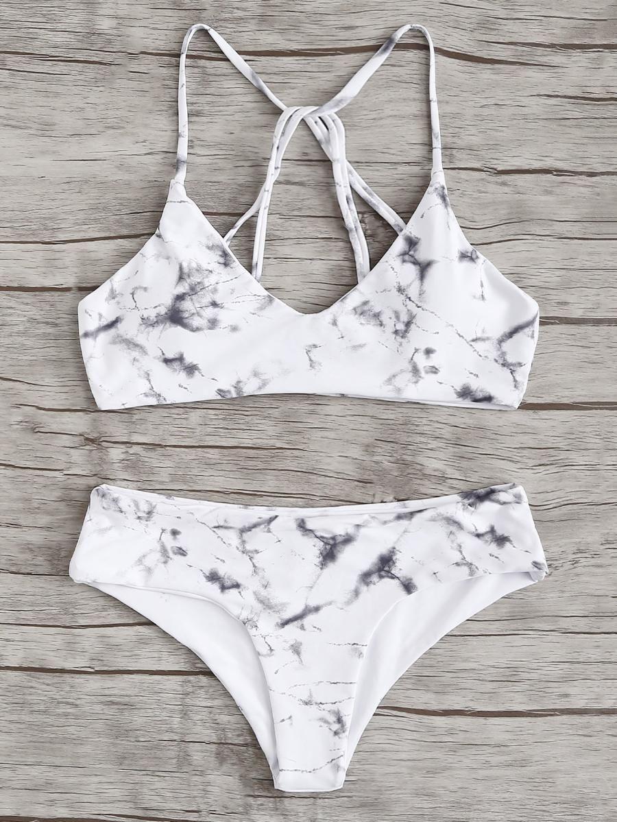 Bikini Mit Streifen Und Knoten Vorn Bikini