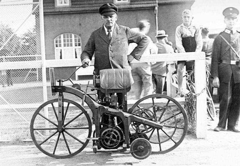 1885 Daimler Reitwagen 4 Jpg 800 X 556 100 Mercedes Benz