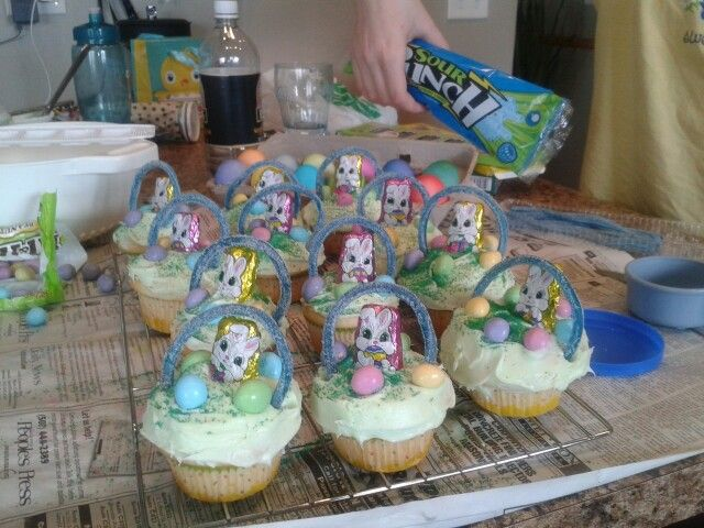 Easter basket cup cakes