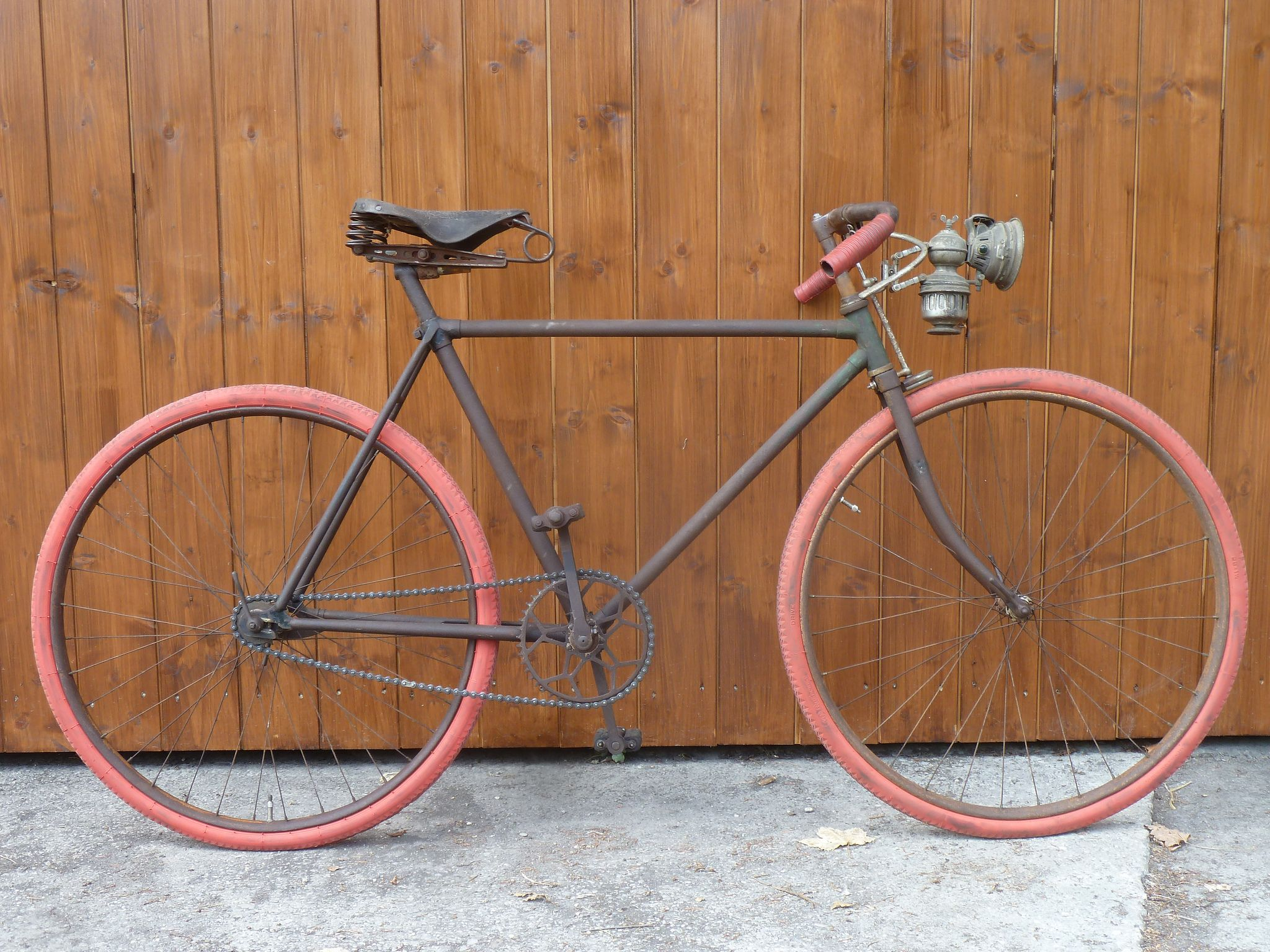 Rusty Old Racer Retro Bicycle Vintage Bicycles Electric Bicycle