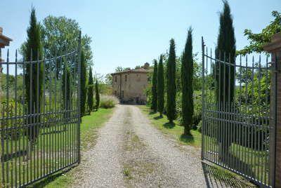 KATE BLACKWOOD REAL ESTATE + LIFESTYLE ITALIA
