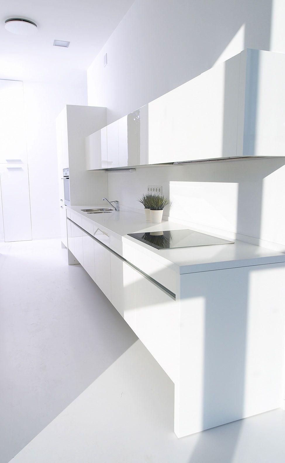 Falcons Nest Penthouse By Apk Studio 12 Minimalist Interior Minimalist Kitchen Minimalist Interior Design