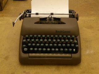 Vintage Typewriter - Smith Corona - 1940s
