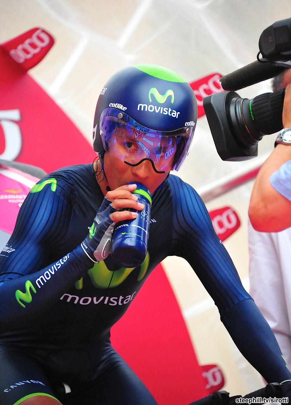 Giro 2014 12 41 9 Km Itt Barbaresco Barolo Nairo Quintana Colombia Movistar In Barbaresco Nairo Ciclista Ciclismo