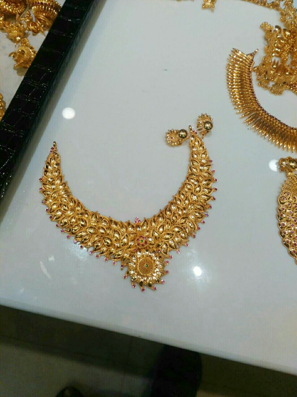 Gold necklace..Indian wedding accessories | Indian wedding ...