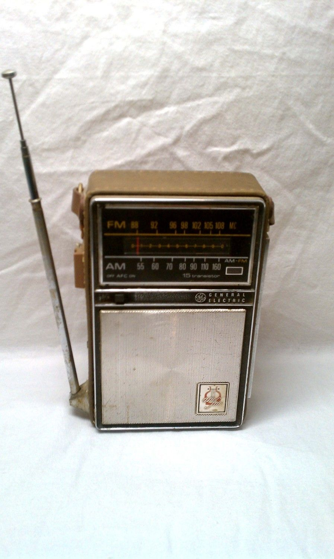 Vintage Ge General Electric P 975d Portable Am  Fm Transistor Radio