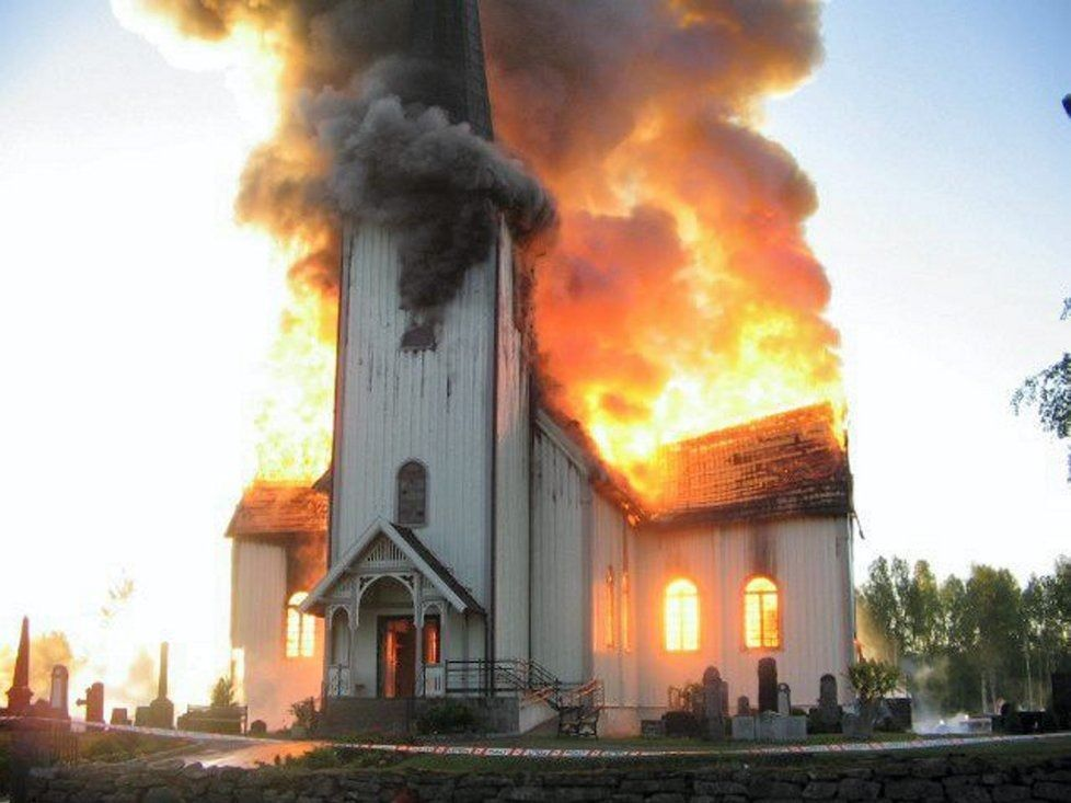 Burning church #church #burn #chiesa | happy ending