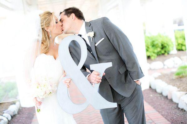 Cute wedding photo prop - ampersand