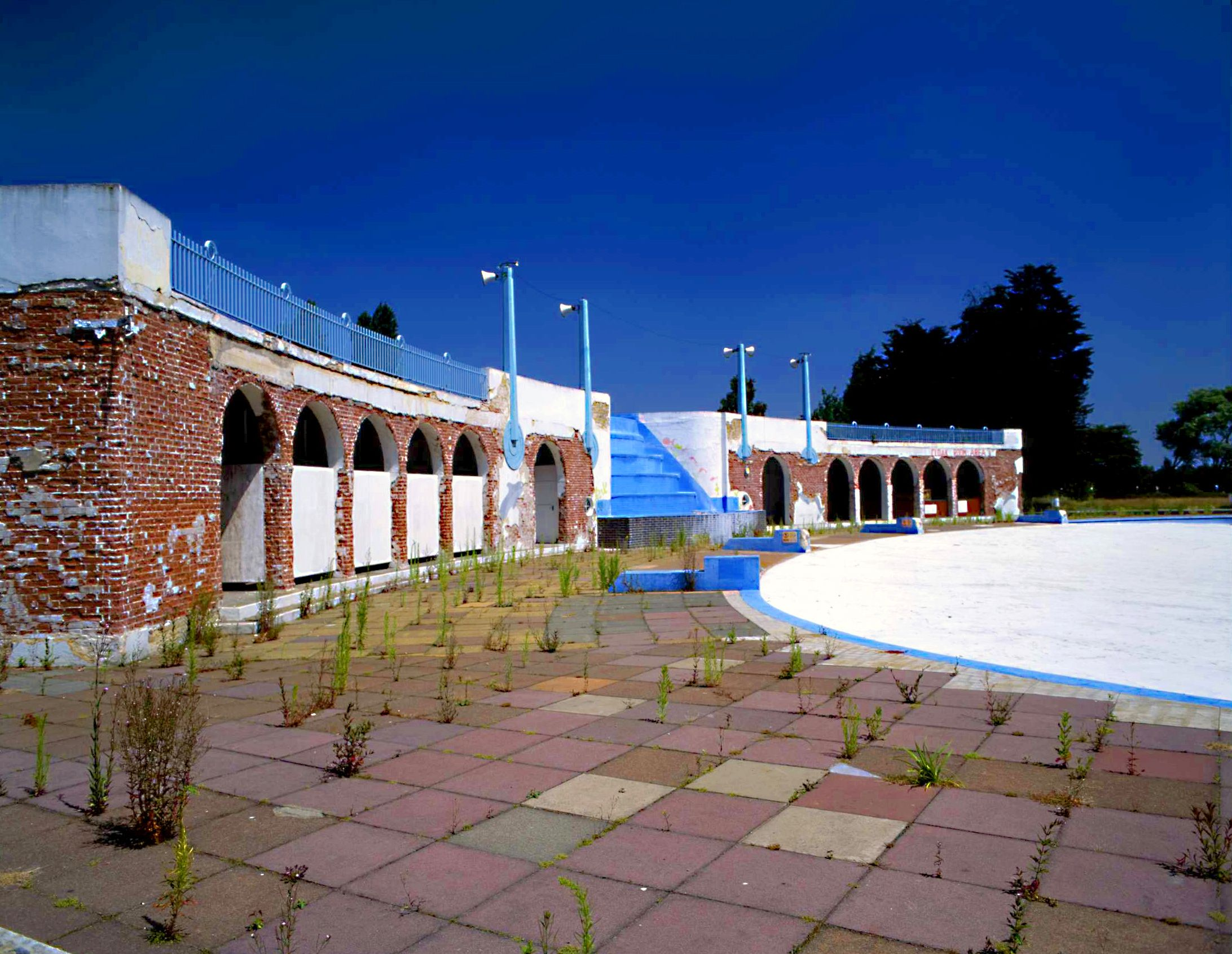 Finchley lido history north london outdoor pool london - Outdoor swimming pools north west ...
