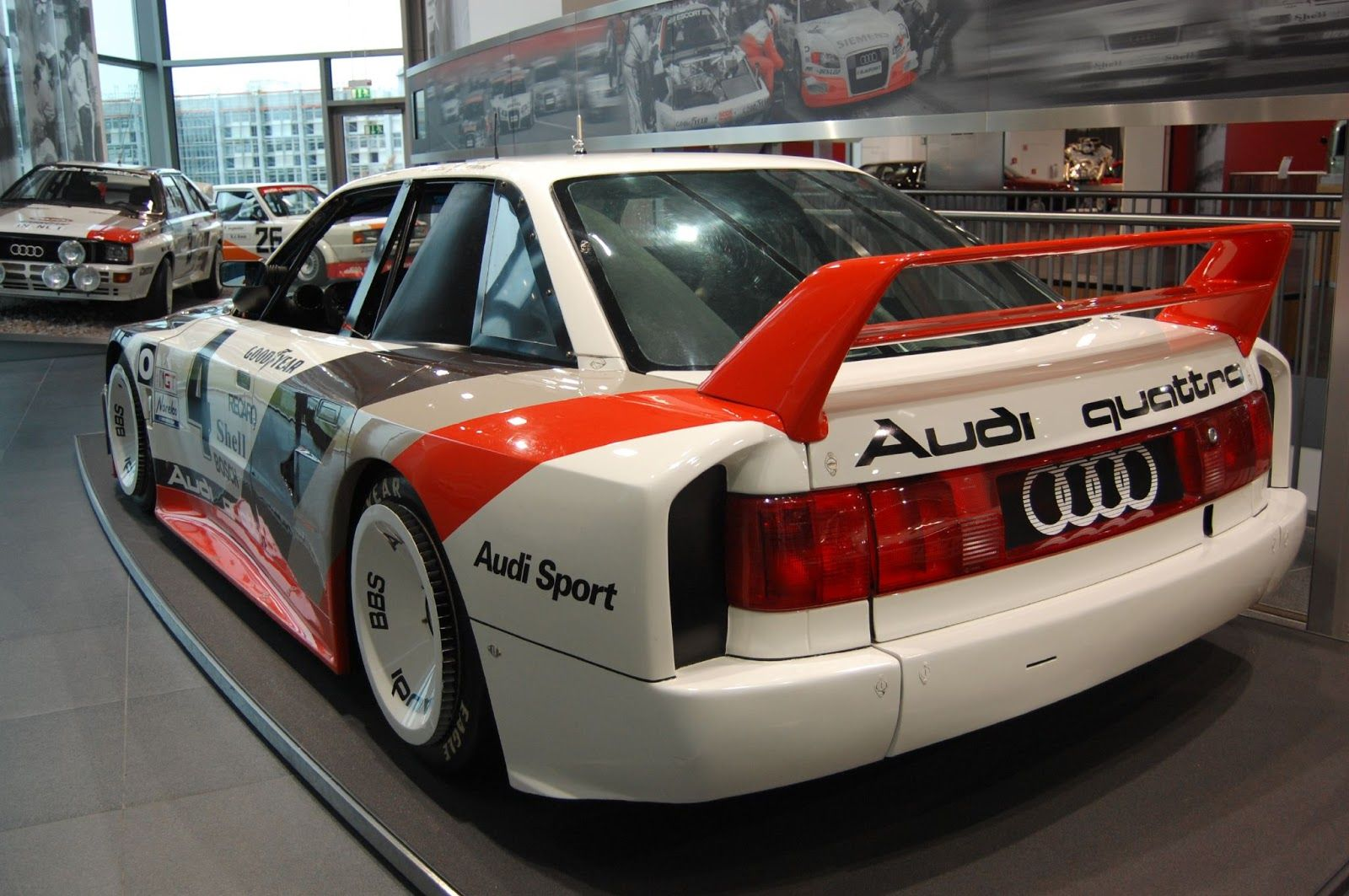 Gorgeous Audi 90. Look at those rims.