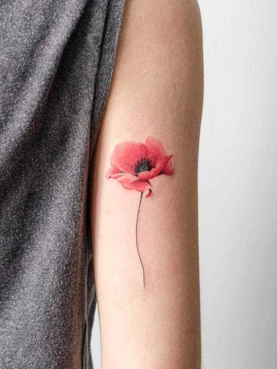 19826190b9a97 Name Flower Tattoo · Poppies Tattoo · Watercolor Tattoo · 16 tatuagens  coloridas para quem quer dar um pouco de cor à sua vida Rose Tattoos