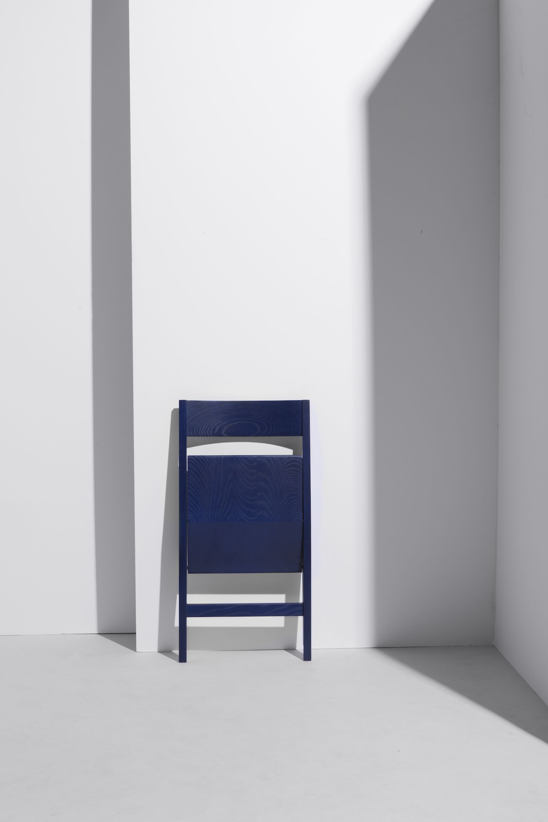 4ecfb1720e38 The project is a folding chair originates from the necessity for  impermanent seating for special ...