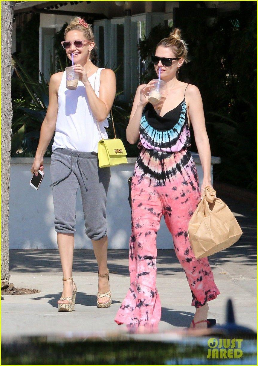 Kate Hudson Loves Steven Tyler S Country Song Love Is Your Name Kate Hudson Loves Steven Tyler Love Is Your Name Kate Hudson Kate Hudson Style Steven Tyler