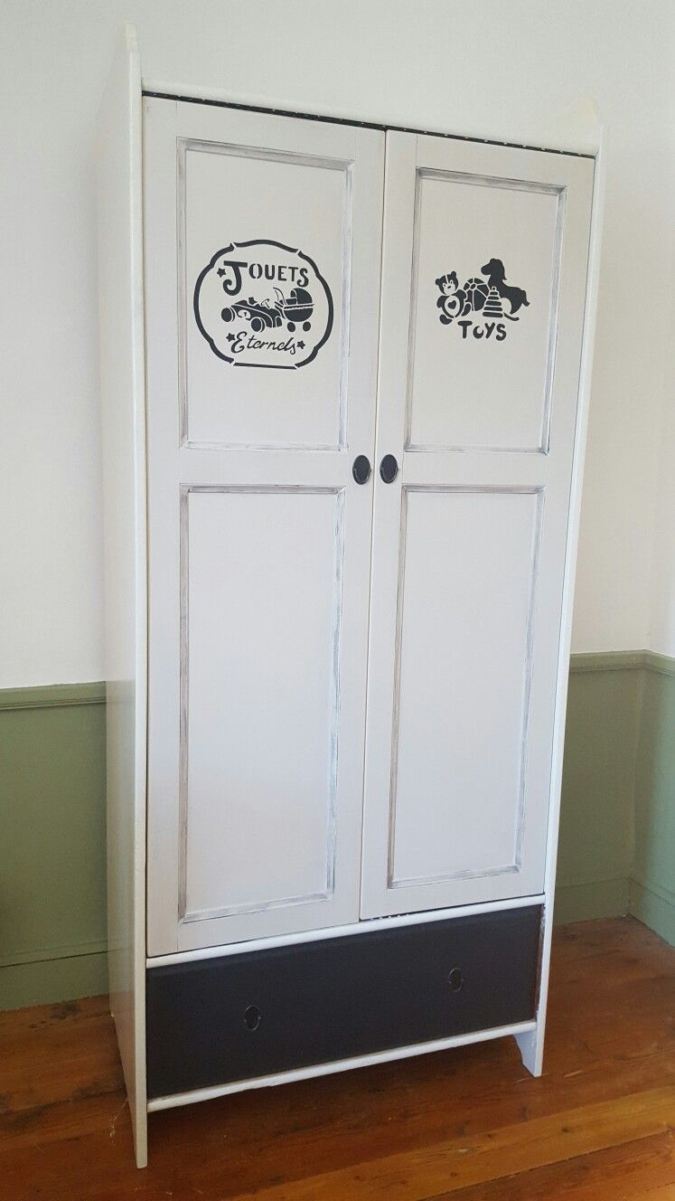 ancienne armoire ikéa relooké pour la salle de jeux de mes enfants