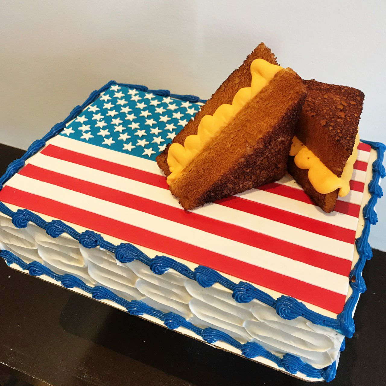Patriotic sheet cake with grilled cheese cake Cute cakes