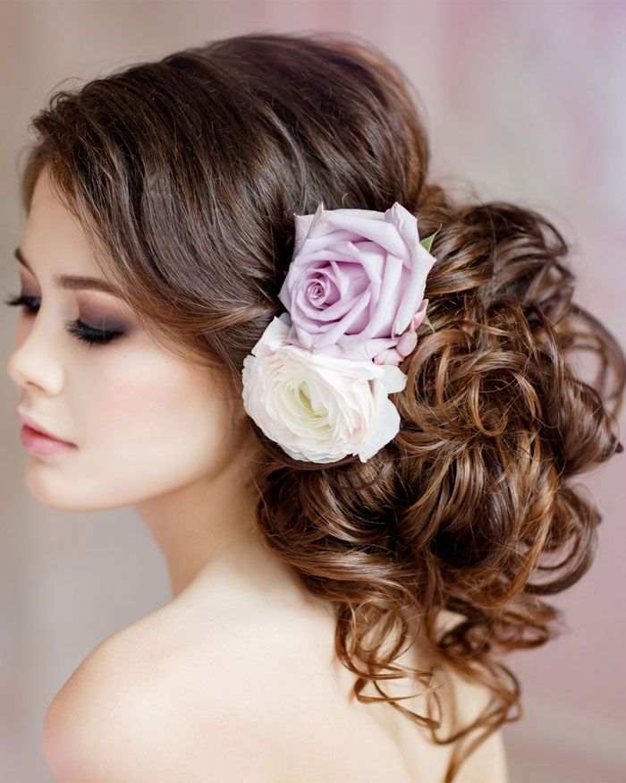 Beautiful messy updo wedding hair inspiration to inspire you | bridal hair