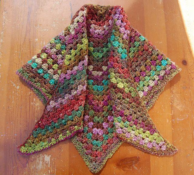 Triangle Granny Square Shawl | Pinterest | Quadrate häkeln, Häkeln ...