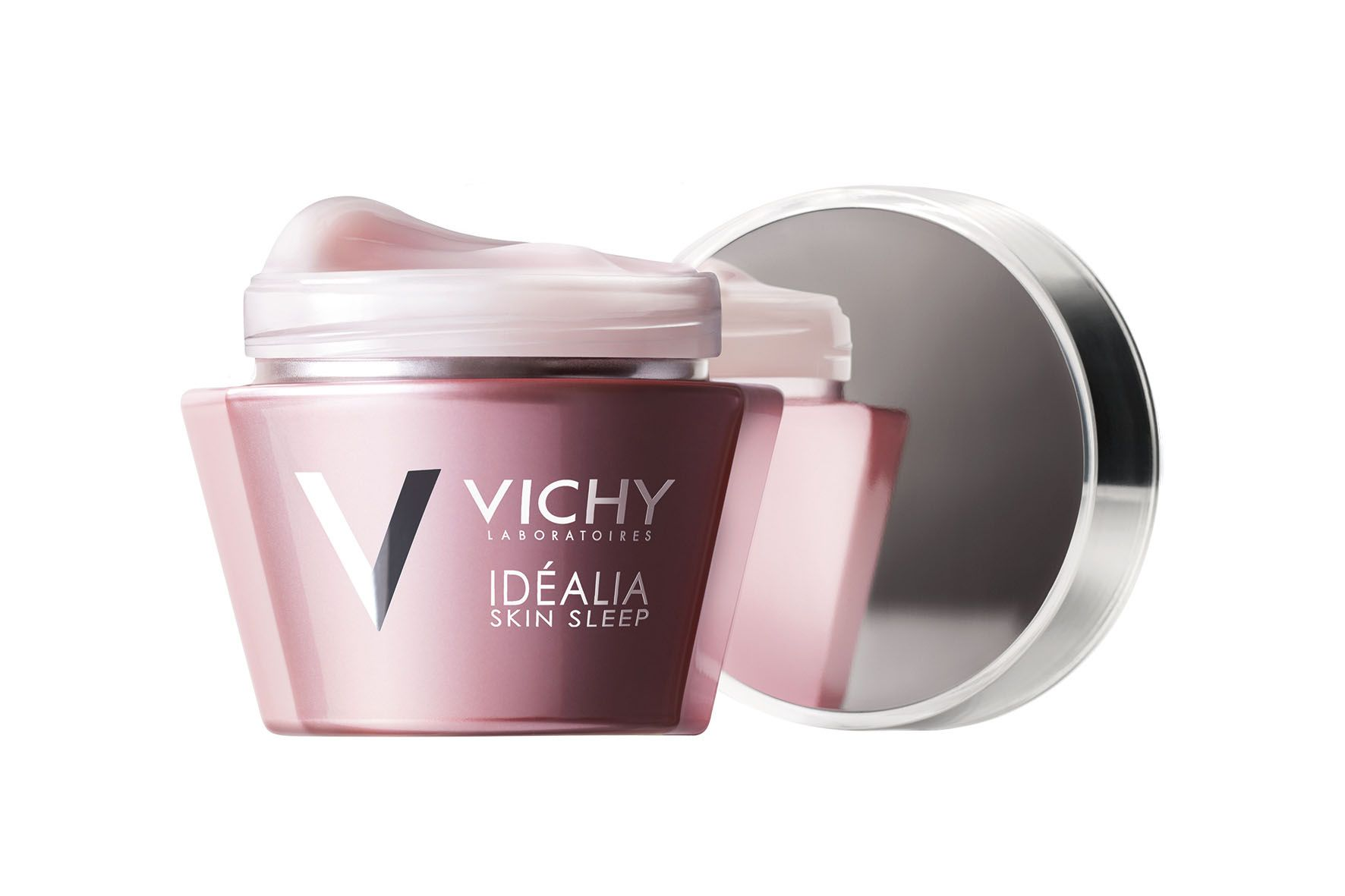 Vichy – IDÉALIA SKIN SLEEP  Koffein, Glycyrrhetinsäure, LHA und reparierenden Ölen, ermöglicht eine Runderneuerung der Haut im Tiefschlaf. Der angenehme Balsam hydratisiert, regt die Microzirkulation und Zellerneuerung an, unterstützt den Abschuppungsprozess, kräftigt die Hautbarriereschicht und Entzündungsmediatoren werden durch Glycyrrhetinsäure und Vitamin B3 gemindert. Gesehen um € 29,50.