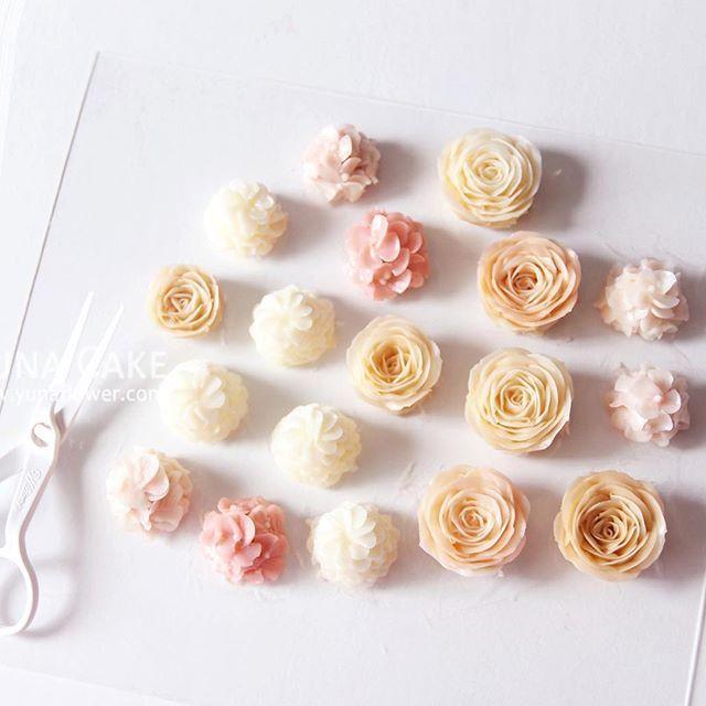 Yuna Cake Butter cream flower cake&class  Buttercream flowers🌸💛 #bakingclass#cake#flower#buttercake#decoration#buttercream#baking#flowercake#buttercreamflower#sweet#케이크#디저트#플라워케이크#wedding#flowers#buttercreamcake#anniversary#gateau#specialcake#kekbirthday#cakes#birthdaycake#yunaflower#koreanbuttercream#kekkahwin#cakeclass#yunacake#버터크림#버터크림플라워케이크#꽃스타그램