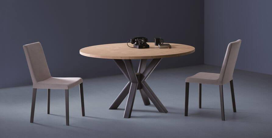 Unieke Ronde Eettafel.Ronde Design Eettafel Met Een Unieke X Poot Design