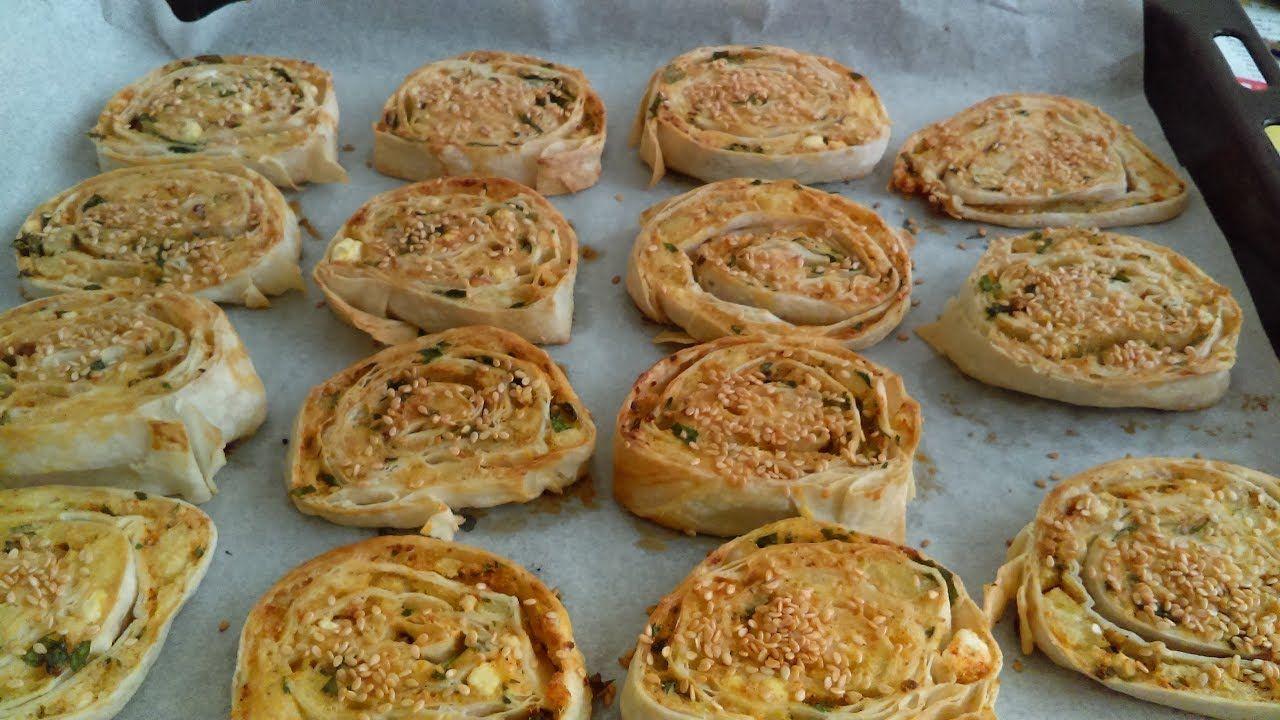 Lor Peynirli Yumuşacık Börek Tarifi