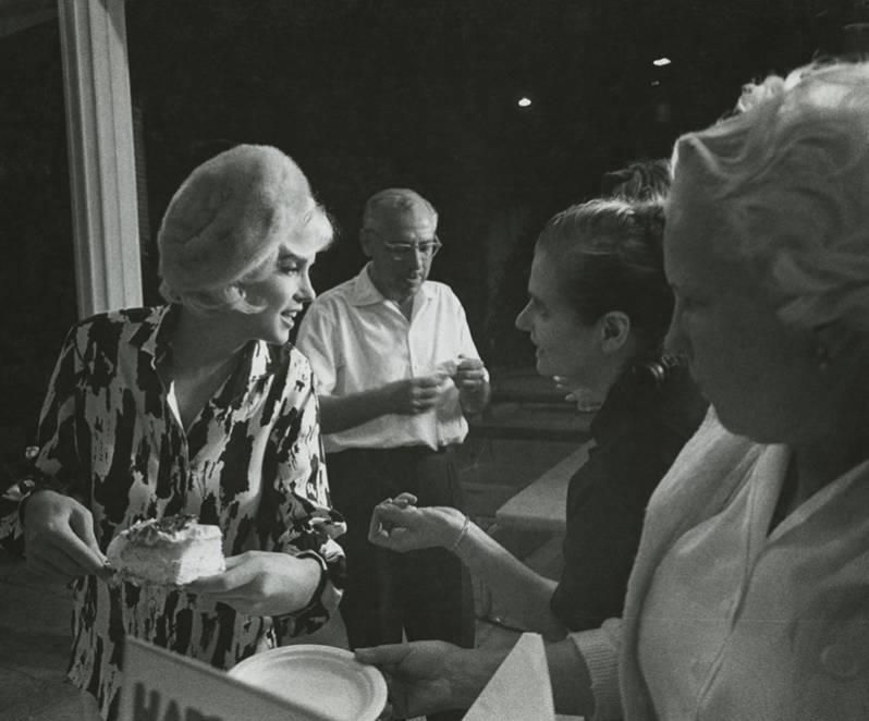 Marilyn celebrating her 36th birthday on the set of Something's Got To Give, 1962.