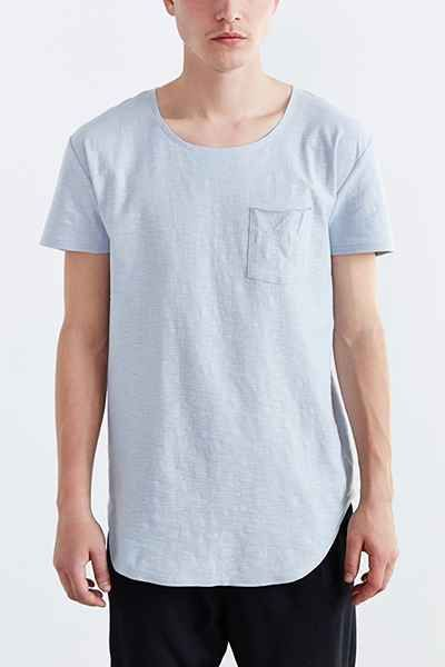 Feathers Short-Sleeve Curved Hem Tee - Urban Outfitters