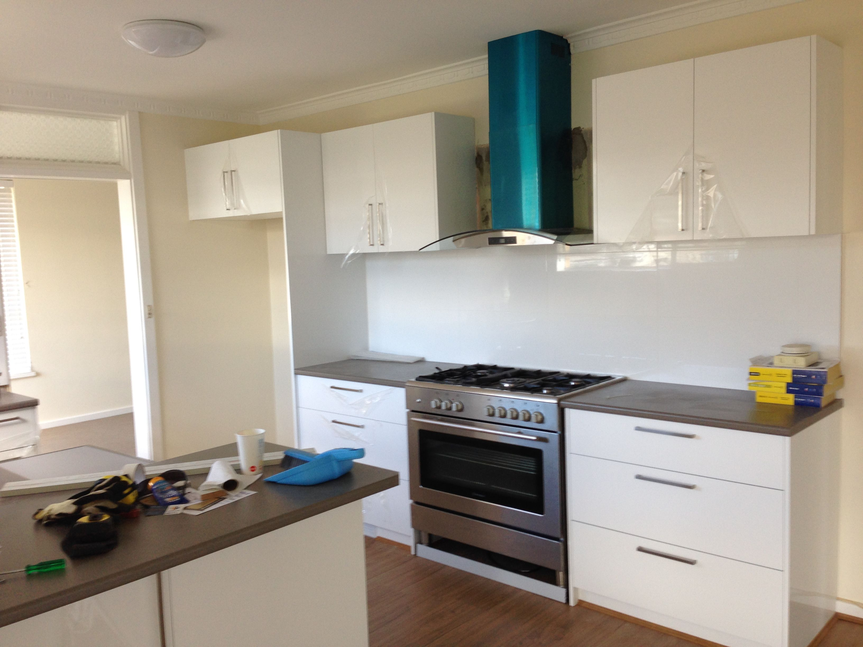 Contempo gloss white vinyl flatpack kitchen cabinets never go out of ...