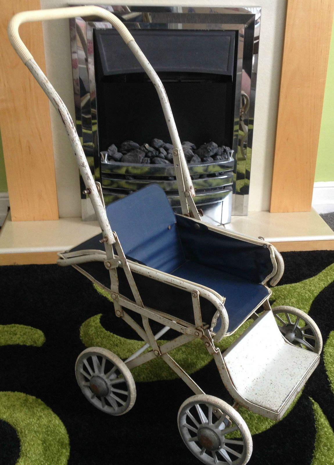 Cumfifolda 1950's Collectable Vintage Doll's Pushchair