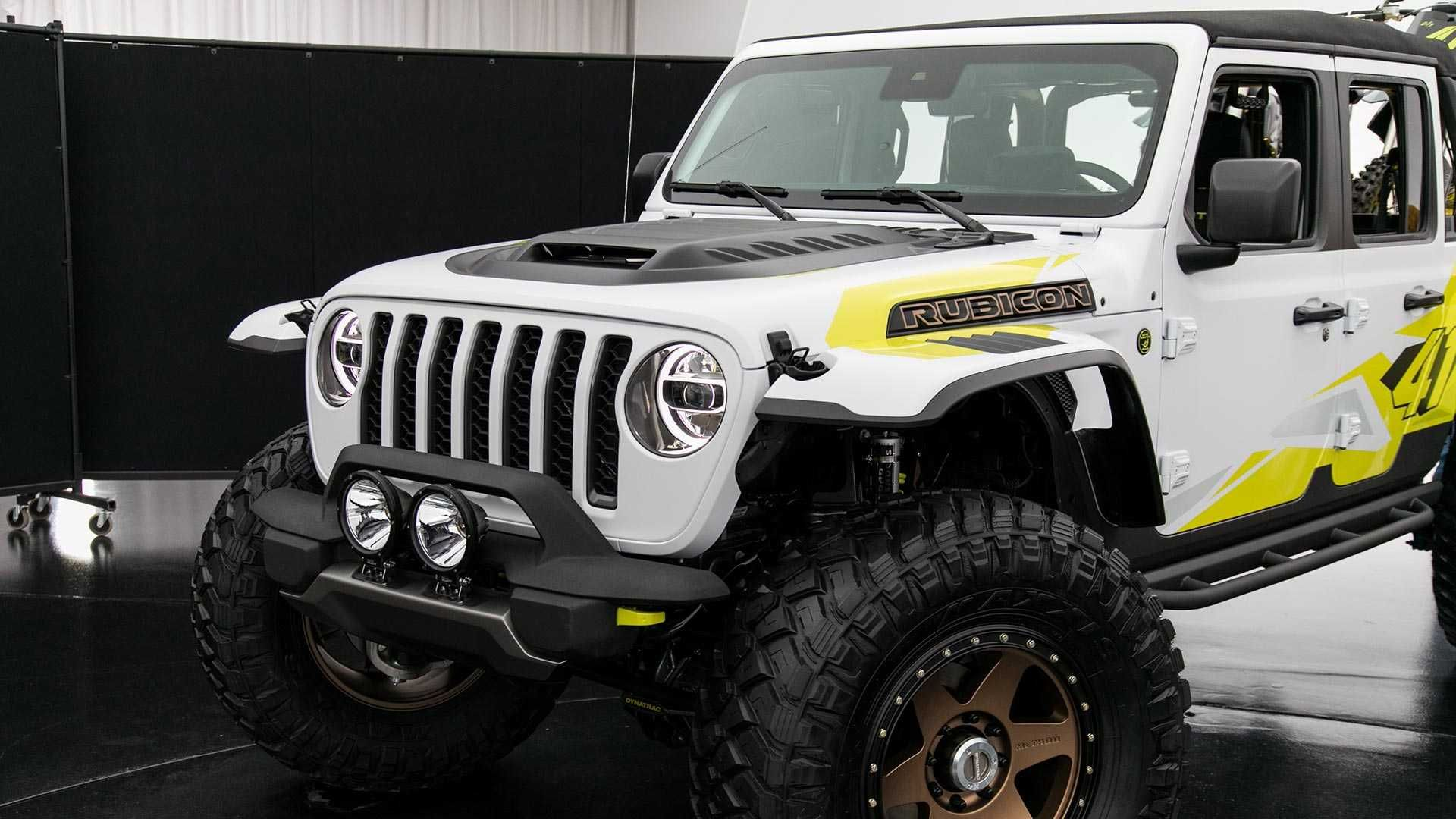 The Jeep Gladiator Flatbill Is A Purpose Built Dirt Bike Hauler With Modified Pieces That Facilitate Getting Your Bikes To An Jeep Gladiator Pickup Trucks Jeep