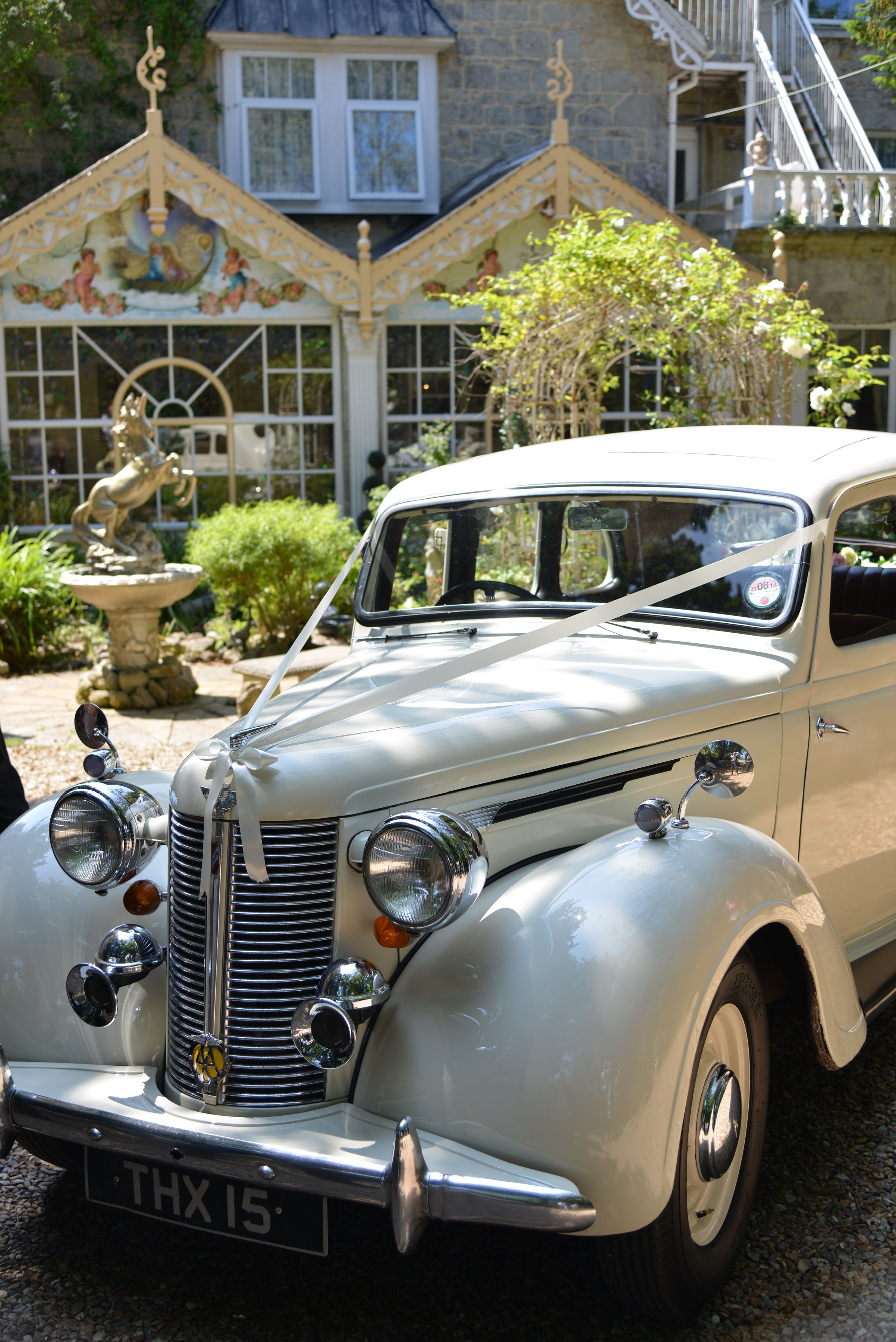 Vintage Wedding Car Hire From Nostalgiccarriages Com Photo By Www Isleofwightweddingphotography Com Luxury Car Hire Vintage Car Wedding Best Luxury Cars
