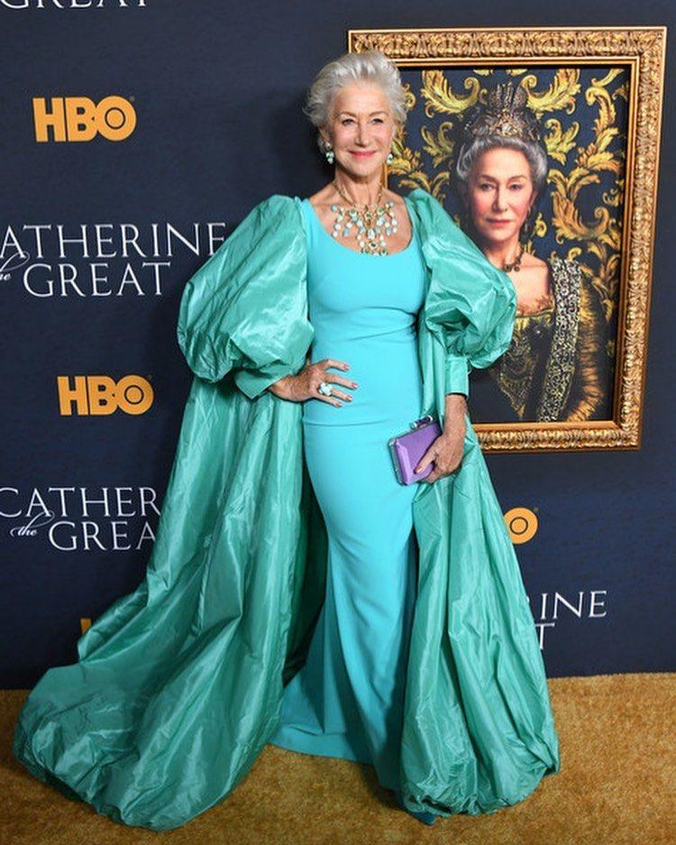 Repost Fashionbombredcarpet Hellenmirren Wore Badgleymischka Resort 2020 To The Catherinethegreat Gnamiglio Ss18 Helen Mirren Catherine The Great Fashion