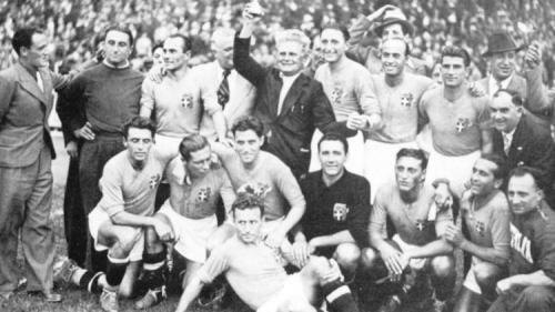 WM 1938 in Frankreich - Weltmeister Italien: Ungarn unterliegt den Italienern im Endspiel mit 2:4.