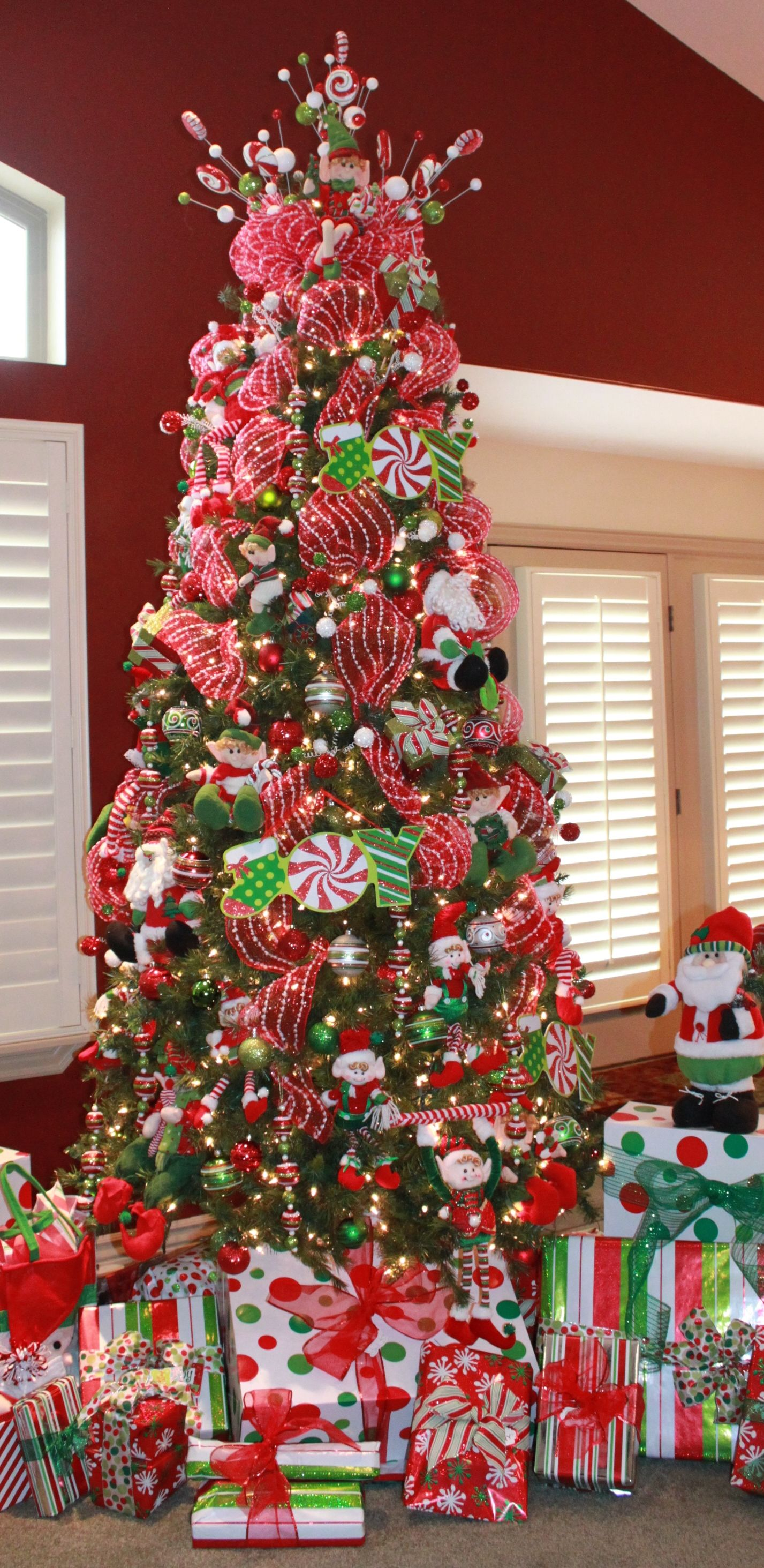 Traditional Colors Elf Tree You Know Your Done Decorating When You No Longer Can See The Tree Christmas Tree Themes Diy Christmas Tree Garland Christmas Tree