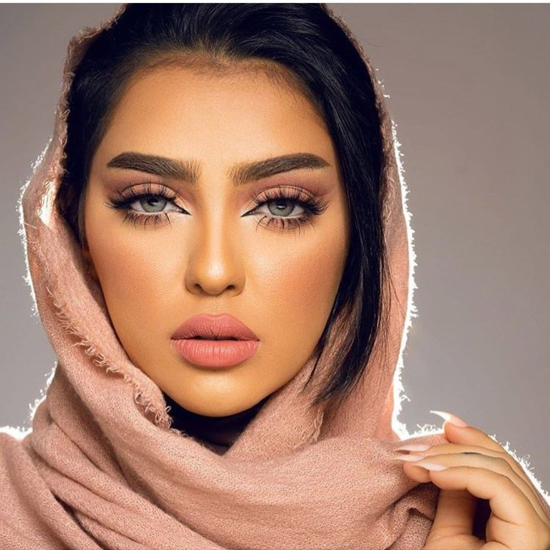 Muslimbeauty#makeup  Arabic eye makeup, Hijab makeup, Arabian makeup