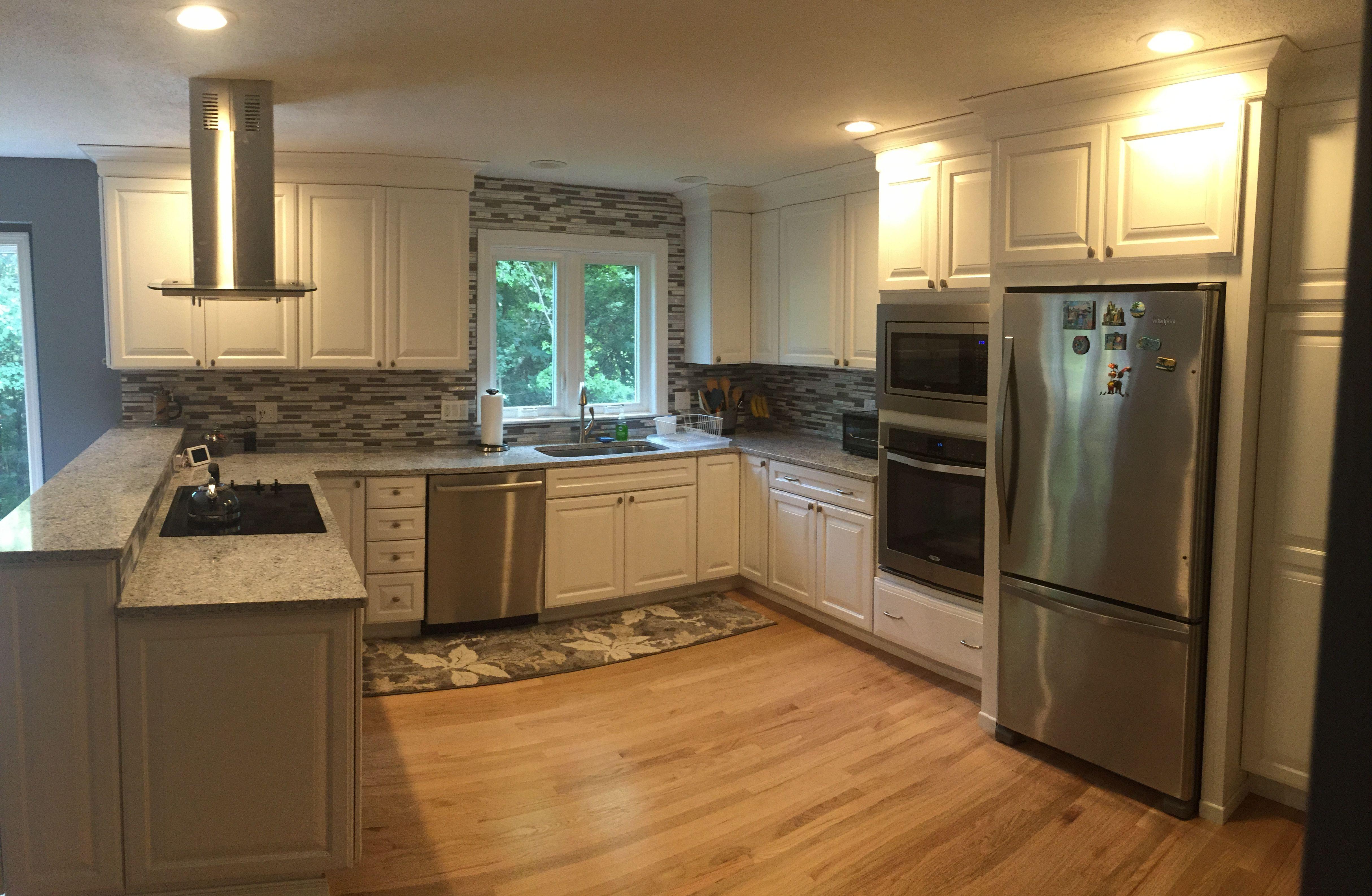 Lowe S Kitchen Remodel Kitchen Remodel Kitchen Installation Kitchen Cabinet Remodel