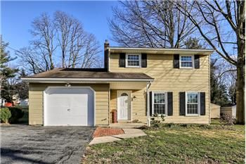 283 Whittier Lane Lancaster Pa 17602 With Images House