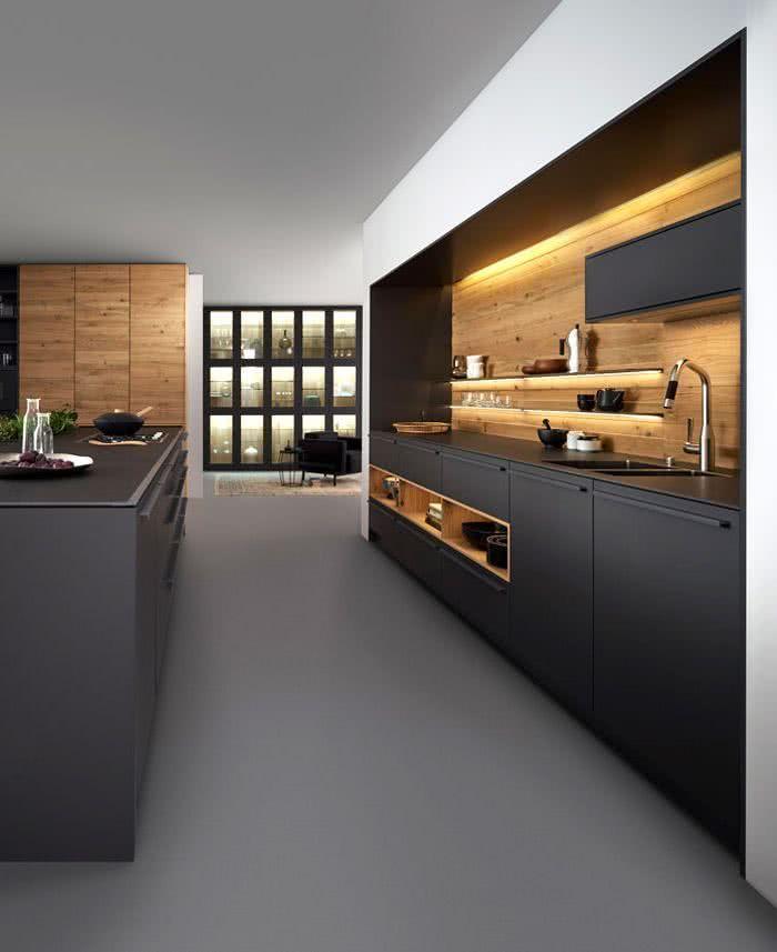 Cocina gris oscuro y madera cocinas en 2019 cocinas for Cocina de madera gris oscuro